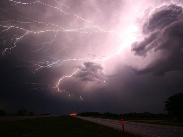 Brontophobie – Peur du tonnerre et des tempêtes.