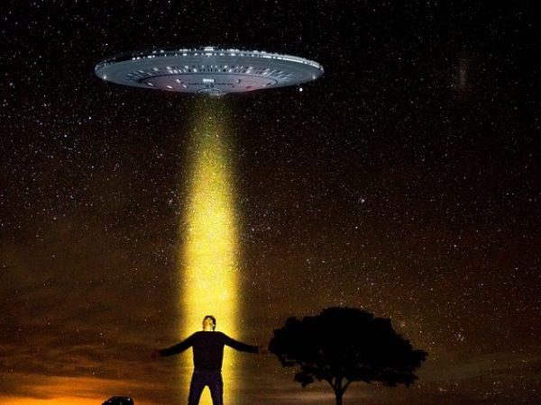 Exobiophobie: peur des extraterrestres